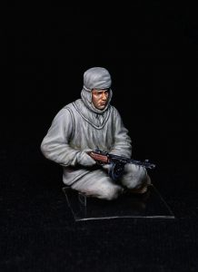 35226 SOVIET ASSAULT INFANTRY (WINTER CAMOUFLAGE CLOAKS) + Konstantin Pinaev