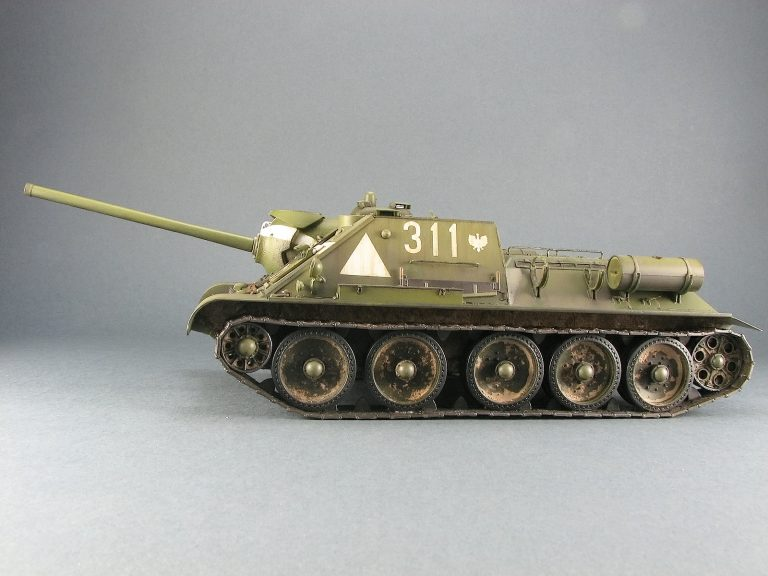 35204 SU-85 SOVIET SELF-PROPELLED GUN Mod. 1944 EARLY PRODUCTION. INTERIOR KIT