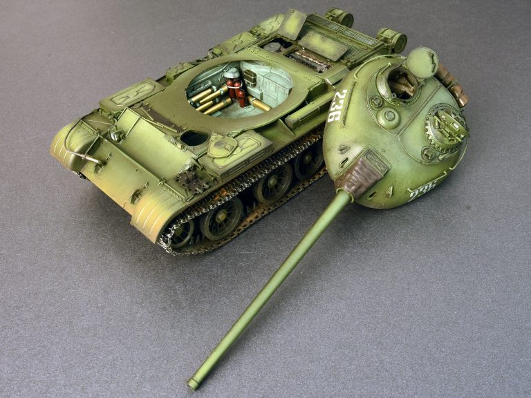 37007 T-54-3 SOVIET MEDIUM TANK. Mod 1951.  INTERIOR KIT