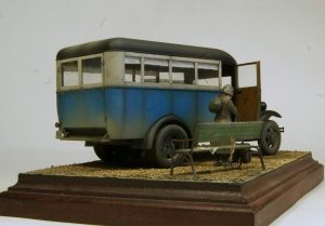 38005 PASSENGER BUS GAZ-03-30 + 35530 STREET ACCESSORIES