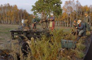 35110 PANZERSPAHWAGEN BA-64(r) w/CREW + 35049 SOVIET JEEP CREW + 35011 GERMAN TANK REPAIR CREW