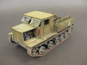 35140 Ya-12  SOVIET  ARTILLERY   TRACTOR  Late  Production