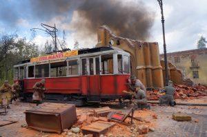 38003 GERMAN TRAMCAR 641 (Strassenbahn Triebwagen 641) + 35548 FURNITURE SET + 35007 PARK GATE & FENCE