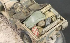 35050 BRITISH STAFF CAR w/CREW +  Tom