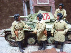 35025 T-70M EARLY PRODUCTION SOVIET LIGHT TANK w/CREW + Takahiro Sumitomo