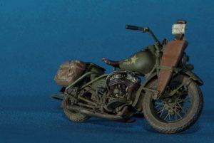 35101 U.S. MOTORCYCLE REPAIR CREW + Igor Eisenstadt