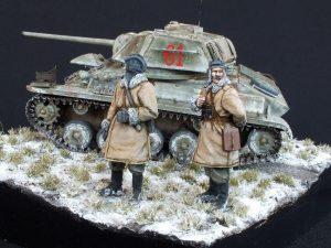 35038 SOVIET LIGHT TANK T-80 w/CREW+ 35022 SOVIET TANK CREW. WINTER 1943-45 + Witold Socha