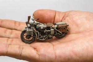 35182 U.S. SOLDIER PUSHING MOTORCYCLE + Khang Dinh+ Nguyễn Quang Huy