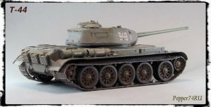 35193 T-44 SOVIET MEDIUM TANK + Eugeniy Kislov