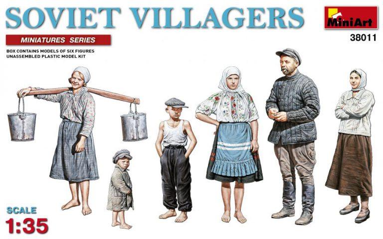38011 SOVIET  VILLAGERS