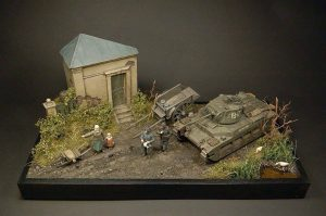 35027 SOVIET OFFICERS AT FIELD BRIEFING