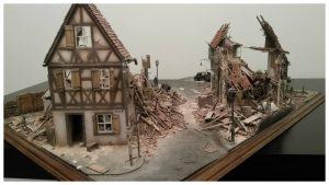 35012 GERMAN VILLAGE HOUSE + 35203 Personenwagen TYP 170V SALOON + 35530 STREET ACCESSORIES + 35548 FURNITURE SET + Dc Manson