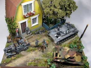 35046 GERMAN FELDGENDARMERIE + 35162 Pz.Kpfw.III Ausf.B + 35191 GERMAN TANK CREW (France 1940) + 35517 POLISH VILLAGE HOUSE + 35550 WOODEN BARRELS & VILLAGE UTENSILS + Arnem