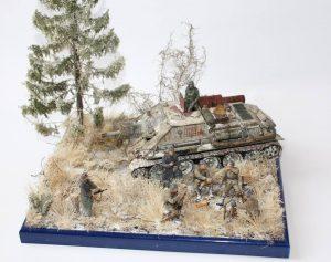35181 SU-122 Early Production + 35109 SOVIET SOLDIERS AT REST + Matt Szefer