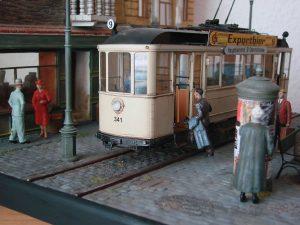 38009 EUROPEAN TRAMCAR (StraBenbahn Triebwagen 641) w/CREW & PASSENGERS + Uwe Hahn