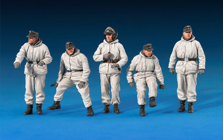 35249 GERMAN TANK CREW (WINTER UNIFORMS) SPECIAL EDITION