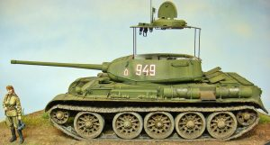 35193 T-44 SOVIET MEDIUM TANK + Michael Roof