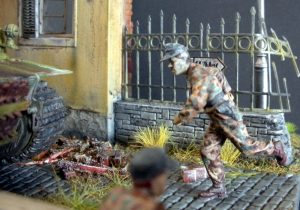 36028 VILLAGE DIORAMA w/FOUNTAIN + 35060 GERMAN TANK CREW (FRANCE 1944) + Josef Haidinger