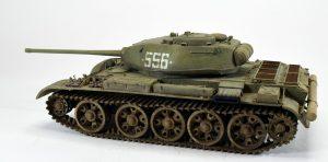 37002 T-44M SOVIET MEDIUM TANK + Oleg Lisenko