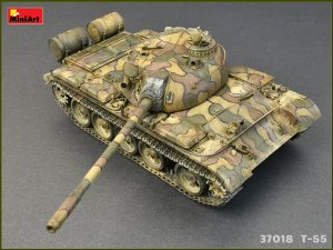 Photos 37018 T-55 1963年型 坦克 含内构