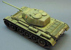 35193 T-44 SOVIET MEDIUM TANK + Maxim Pedan
