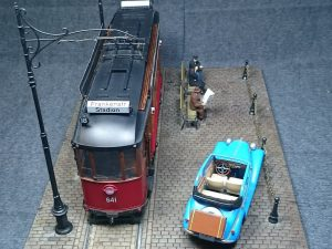 38009 EUROPEAN TRAMCAR (StraBenbahn Triebwagen 641) w/CREW & PASSENGERS + 35103 MB TYPE 170V Cabrio Salo + brgds
