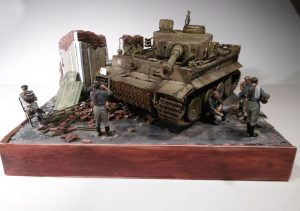 35062 GERMAN SOLDIERS AT REST + 36039 DIORAMA WITH RUINS + John Hudson