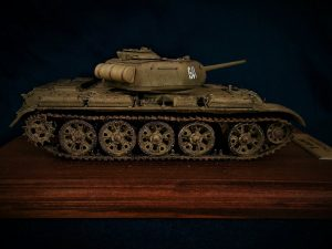 37002 T-44M SOVIET MEDIUM TANK + Jan Savashinsky