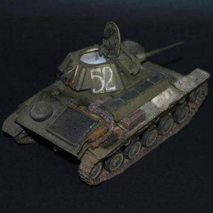 35194 T-70M SOVIET LIGHT TANK w/CREW. SPECIAL EDITION + dislav