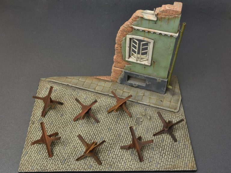 35579 ANTI-TANK OBSTACLES