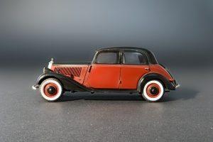 38008 GERMAN PASSENGER CAR TYP 170V SALOON 4 DOORS