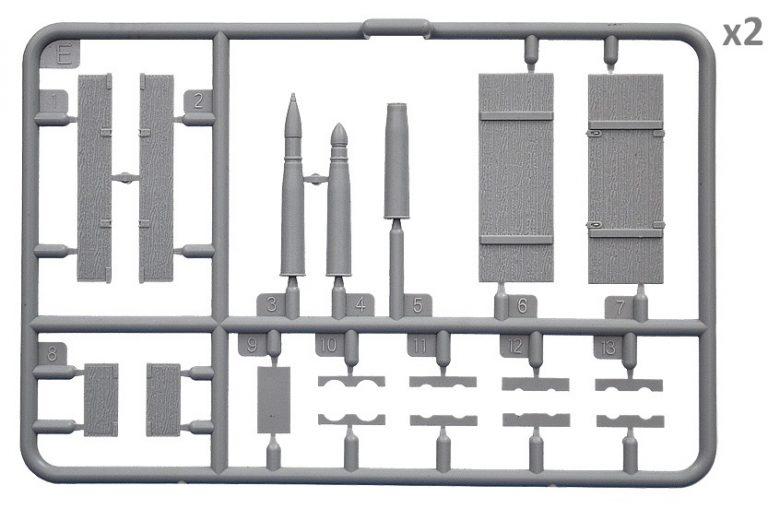 35261 SOVIET AMMO BOXES w/SHELLS