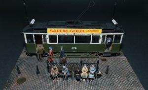38009 EUROPEAN TRAMCAR (StraBenbahn Triebwagen 641) w/CREW & PASSENGERS