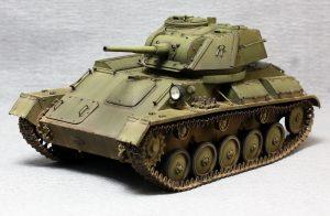 35243 T-80 SOVIET LIGHT TANK w/CREW. SPECIAL EDITION + Evgeny Shusterov