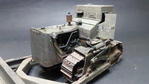 35188 U.S. ARMOURED BULLDOZER + Mikaleo Godin