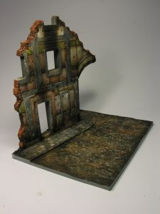 36049 RUINED BUILDING w/BASE + Antelmi Models