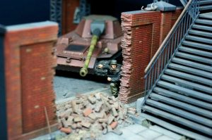35522 PEDESTRIAN BRIDGE + 35547 BRICK WALL + 35552 SECTIONS OF BRICK BUILDINGS + AFV Diorama