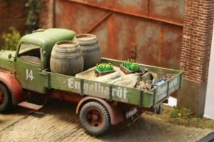 38014 GERMAN CARGO TRUCK L1500S + 38004 FRENCH CIVILIANS '30s-'40s + Ralph Polderman