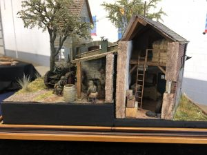 "36018 FARMHOUSE w/DIORAMA BASE + 35084 ""Battle of the Bulge"" ARDENNES 1944 + Ronny Lamberti"