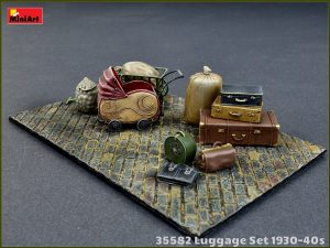Photos 35582 LUGGAGE SET 1930-40s