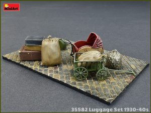 Photos 35582 LUGGAGE SET 1930-40s