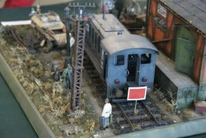 35529 METAL TELEGRAPH POLES + 35554 GOODS SHED