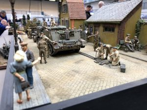 36027 COUNTRY DIORAMA + 35535 FARM ENTRANCE WITH WALL + 35530 STREET ACCESSORIES