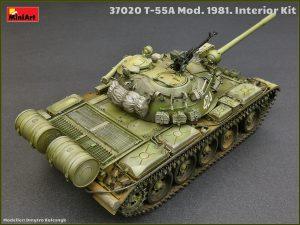 Photos 37020 T-55A 中型坦克 1981年型 带内构