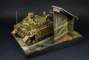 35132 GERMAN TANK CREW (Normandy 1944) + :Plastics & Resins in Scale