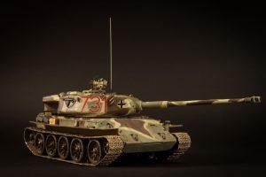 35193 T-44 SOVIET MEDIUM TANK + Oleg Bogutsky