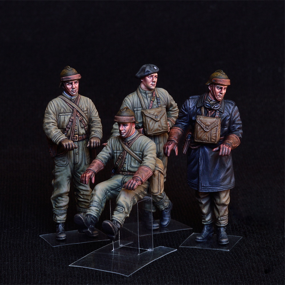 New Photos of 35267 POLISH TANK CREW