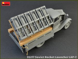 Build up 35277 SOVIET ROCKET LAUNCHER LAP-7