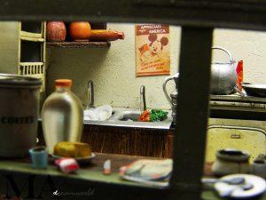 35517 POLISH VILLAGE HOUSE + MA Diorama