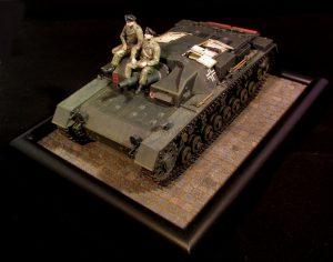 35210 STUG. III 0-SERIES + 35191 GERMAN TANK CREW (France 1940) +Kimmo Happonen